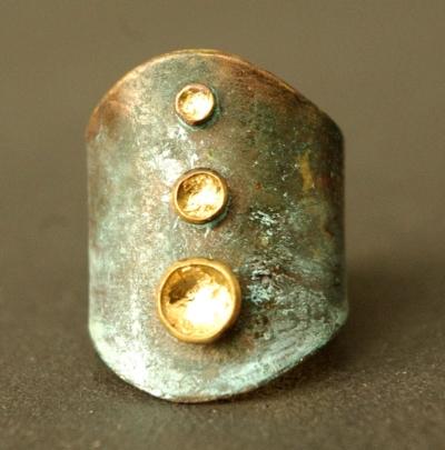 bijou de créateur laiton or patine