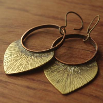 Boucles d'oreilles originales et uniques en cuivre et laiton martelé